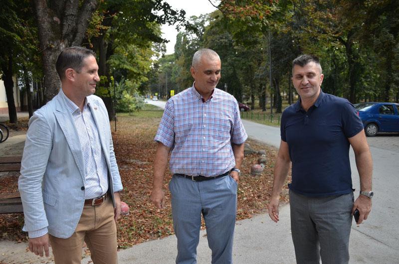 Министар Ђорђевић посетио Нови Кнежевац