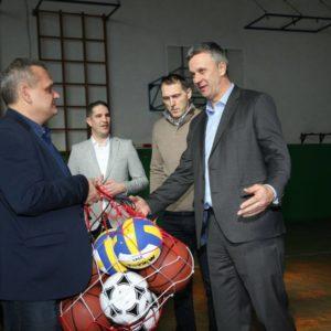 За спортске објекте у Кикинди Покрајина обезбедила 7,7 милиона динара