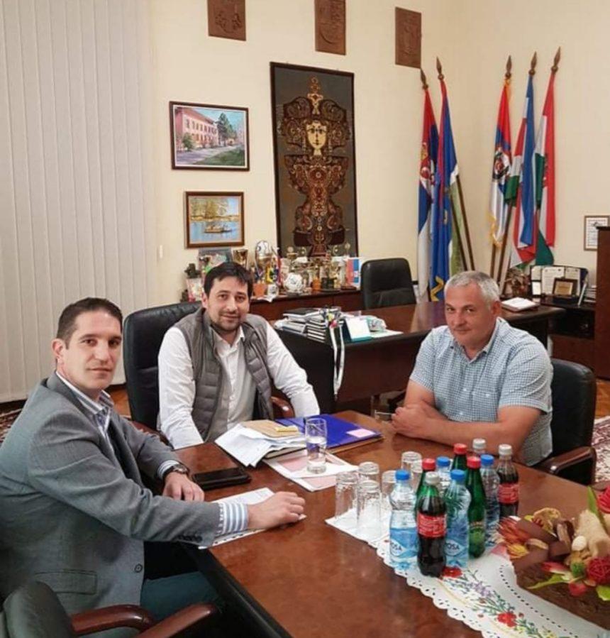 Посета начелника Севернобанатског управног округа Николе Лукача општини Ада