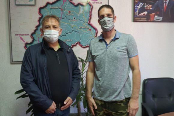 Начелник Пчињског управног округа Срећко Пејковић угостио је у Врању, Николу Лукача